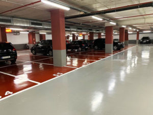 Pintar línies de plaça d'aparcament i numeració a paviment de l'Hotel Porta Fira